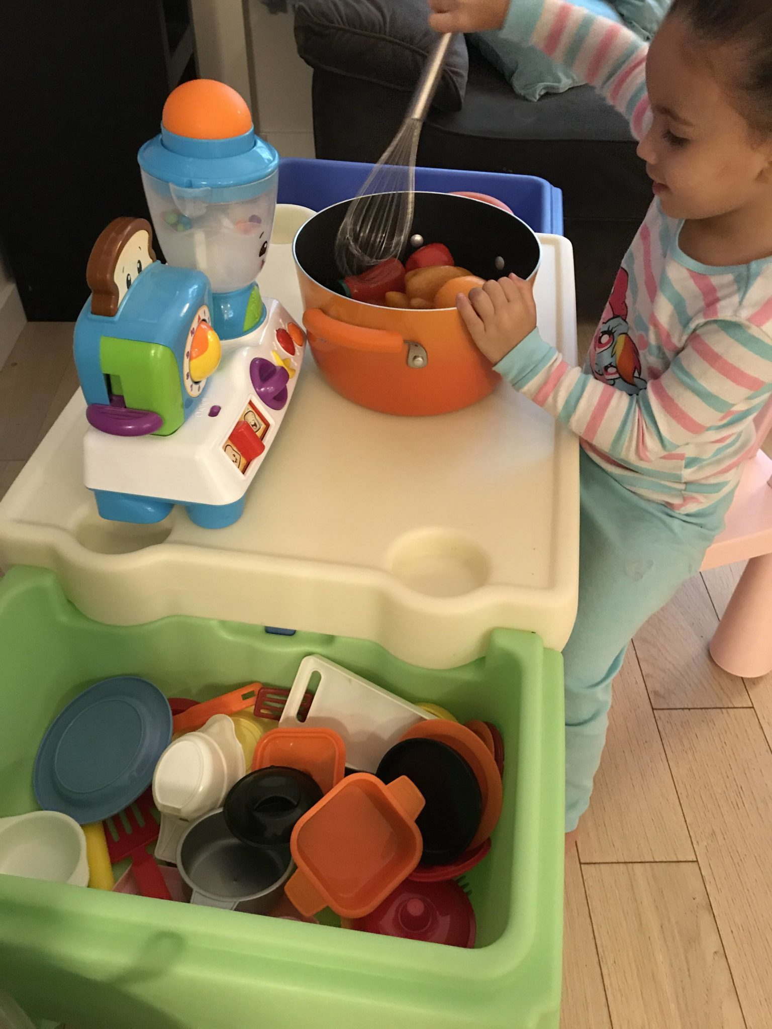 The Simplay3 In and Out Activity Table is a game changer! It offers so many ways to play and everything stays neat and tidy in one place. Sometimes it's a kitchen, other times is so much more. Learn how we use it to play in so many different ways!